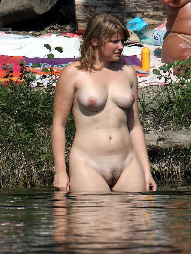 Know Nude swimmer lady hot think