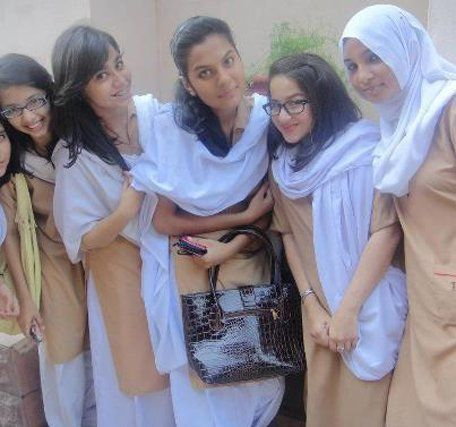 Xxx school girl photo pakistani apologise