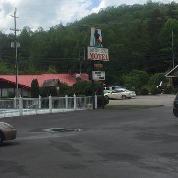 Sleepy bear motel on gatlinburg strip