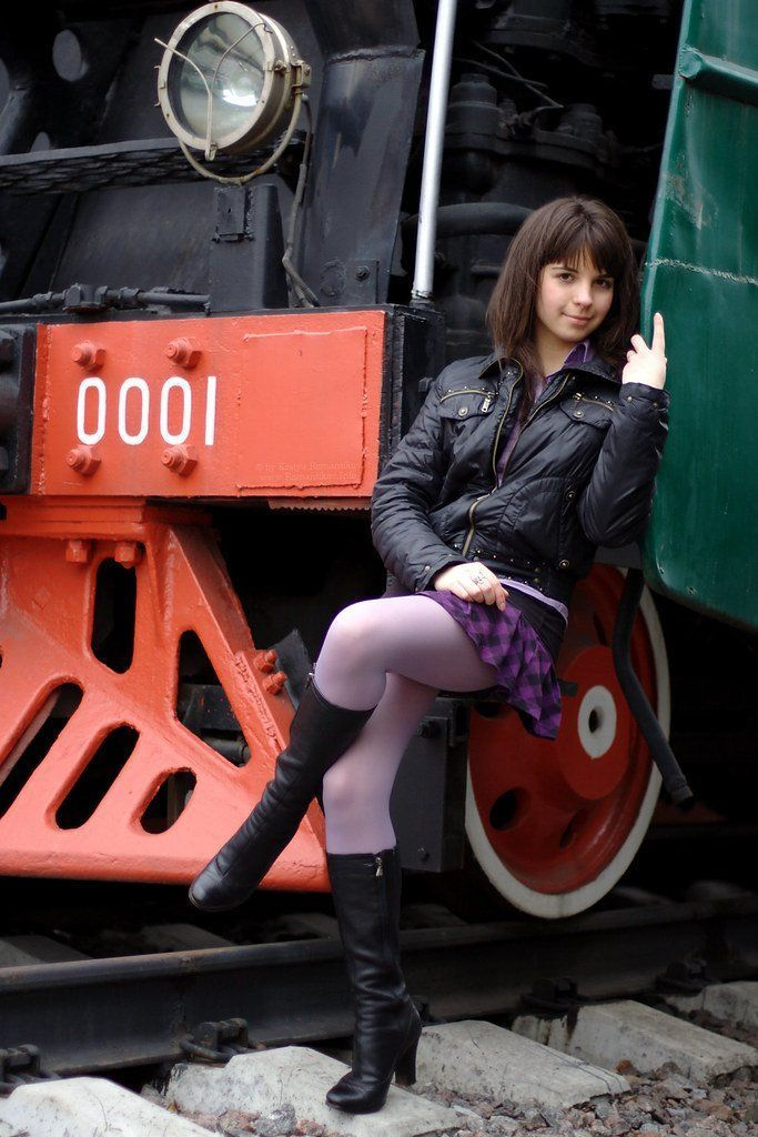 Knight reccomend Woman in short skirts and pantyhose