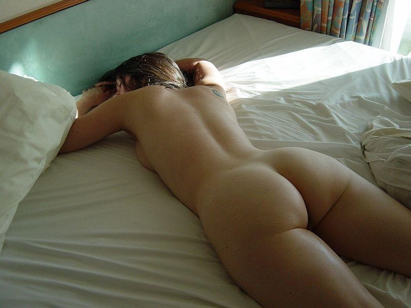 Woman sleeping naked butt